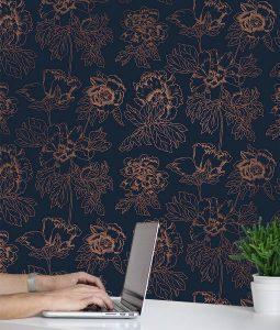 Metallic floral pattern wallpaper